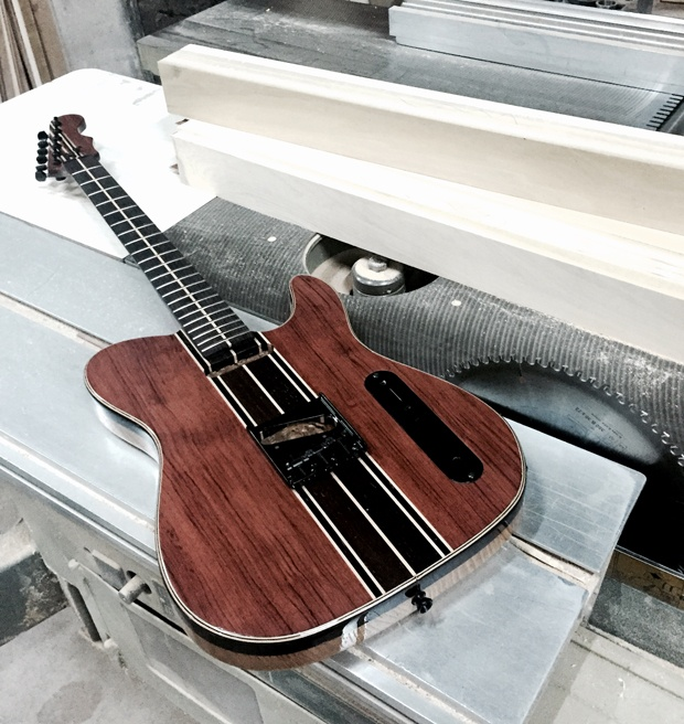 Wood-made guitar by mouchmouch