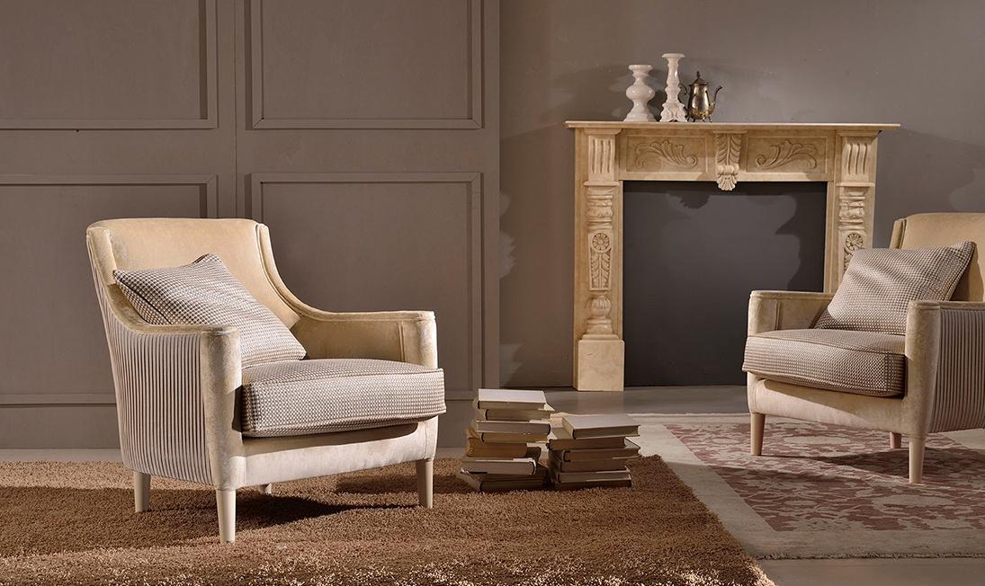 4_altro_salotto_elegant_armchair_1095